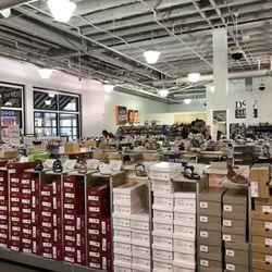 4329bdcbb0b32 DSW Designer Shoe Warehouse - 100 Photos   33 Reviews - Shoe Stores ...