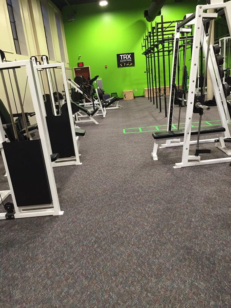 24/7 Health & Fitness Center