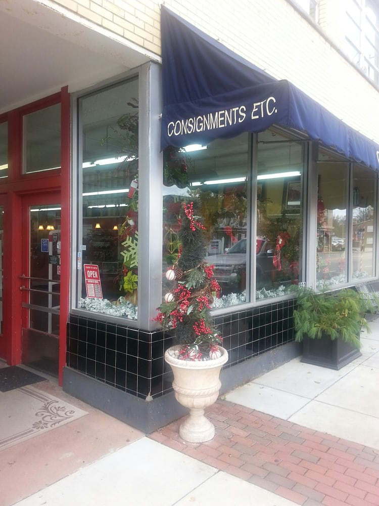 Consignments Etc: 222 N 3rd St, Bardstown, KY