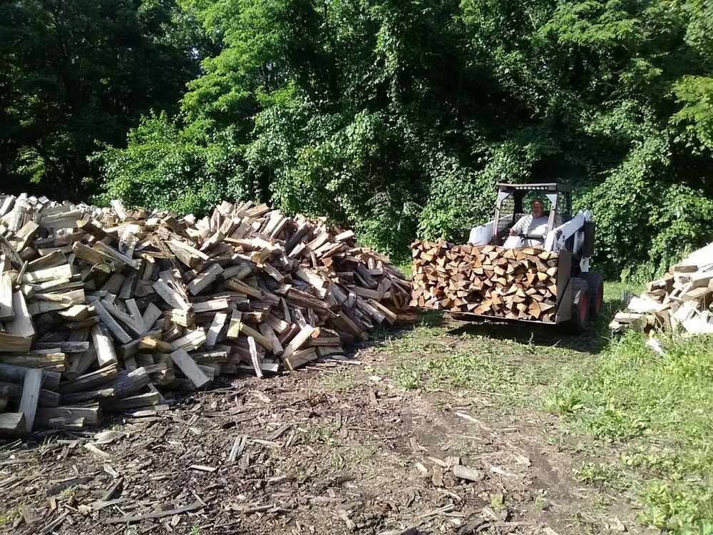 Benton Lloyd Firewood & Mulch: 12300 Bayswater Rd, Kingsville, MD