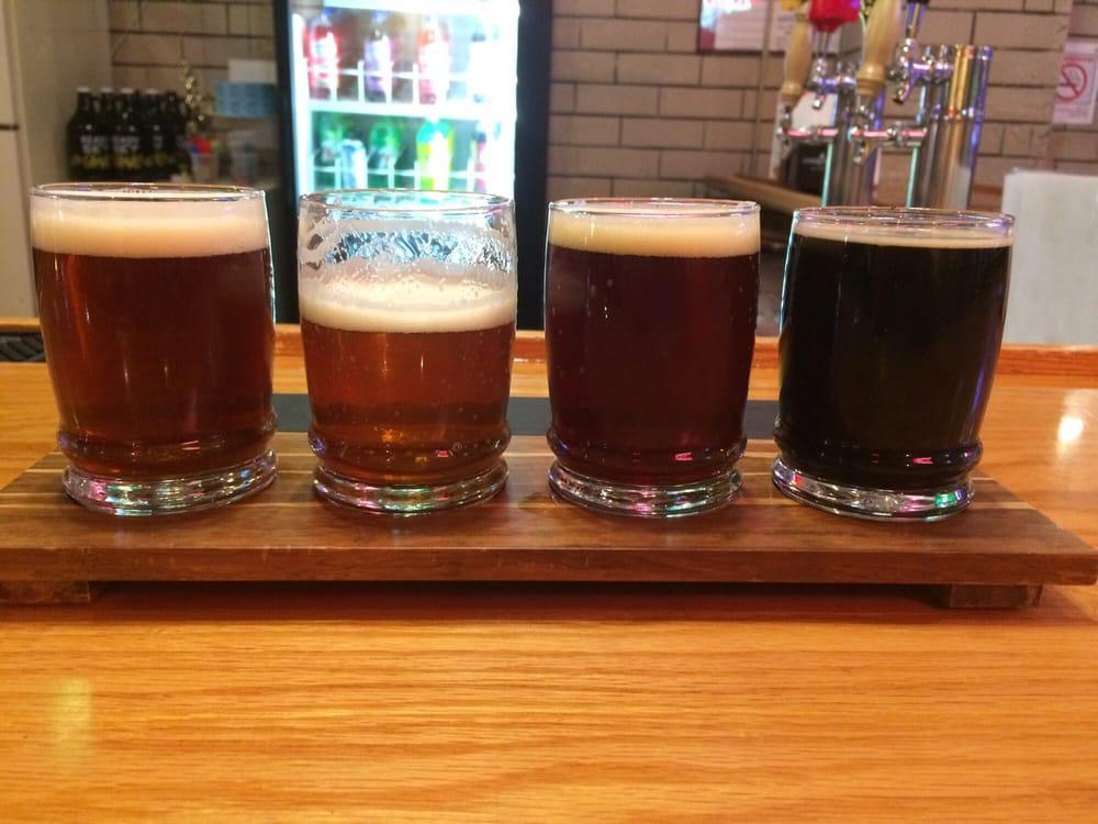 Border Town Pub: 22 N Dixie Hwy, Momence, IL