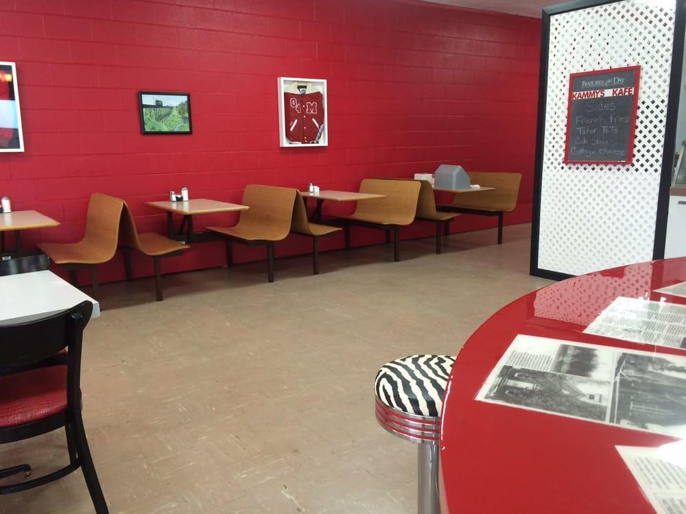Kammy's Kafe: 117 E 4th St, Jonesboro, IN