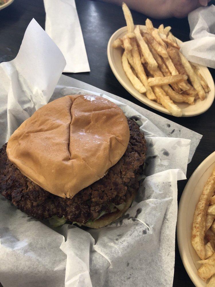 Pat's Cafe: 110 N Oak St, Holdenville, OK
