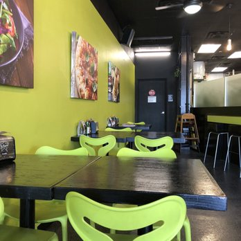 Tom's Pizza World - 79 Photos & 72 Reviews - Pizza - 1013 N Federal