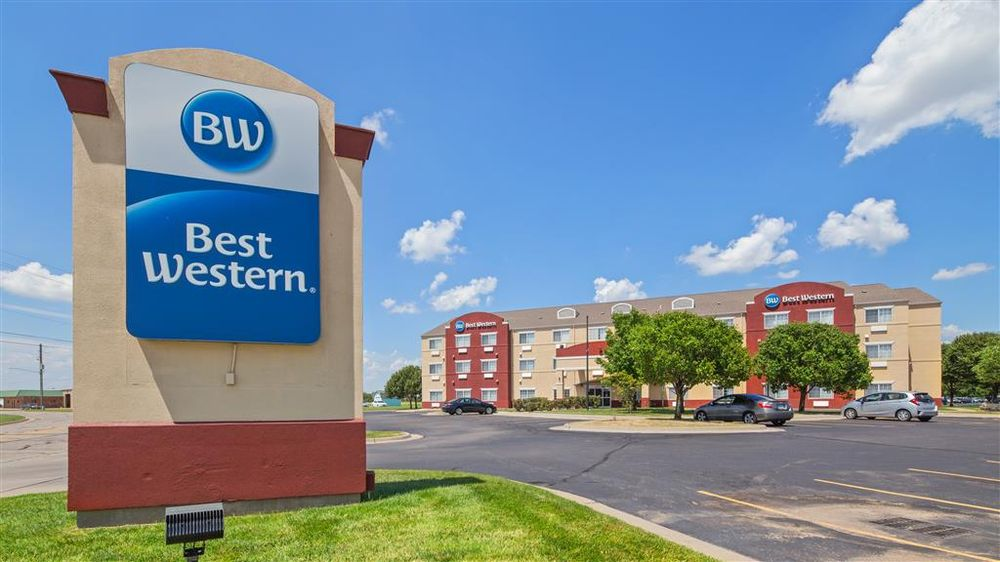 Best Western Governors Inn & Suites: 4742 S Emporia, Wichita, KS