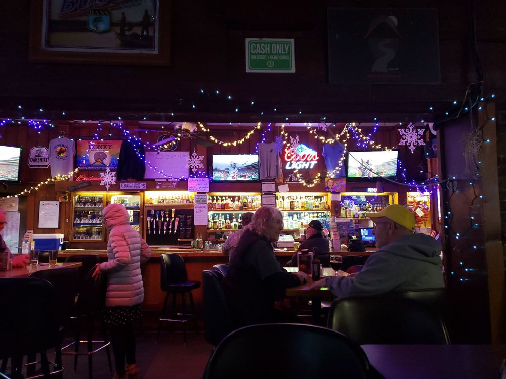 Round-Up Tavern: 13 N Front St, Creswell, OR