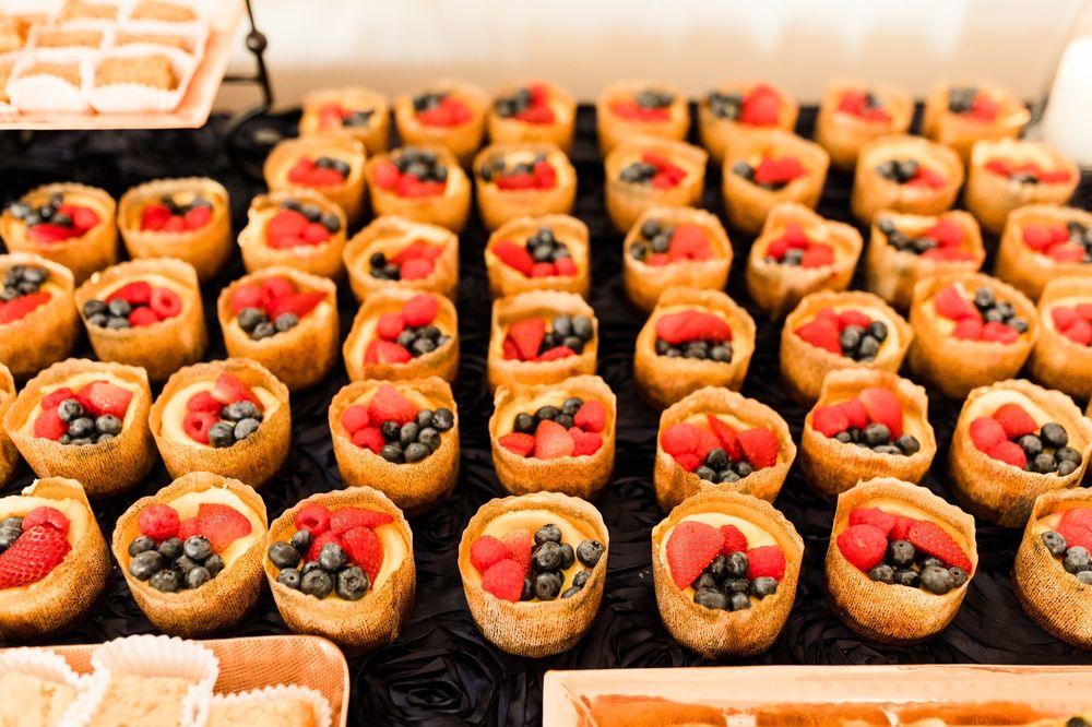 Dear Diva Desserts: 321 N Main St, Columbia, IL