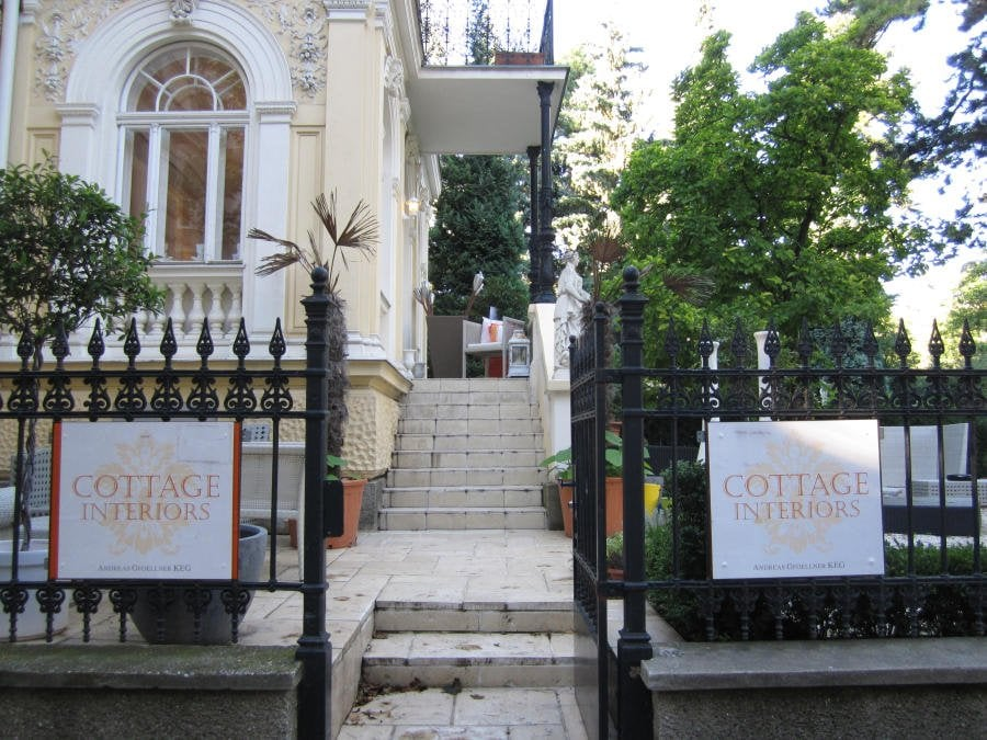 Cottage interiors raumausstattung innenarchitektur for Wien innenarchitektur
