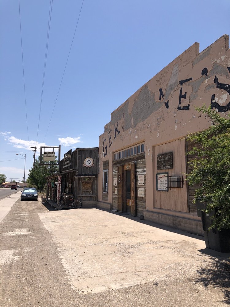 Germaine's Emporium: 419 SE Old West Hwy, Duncan, AZ