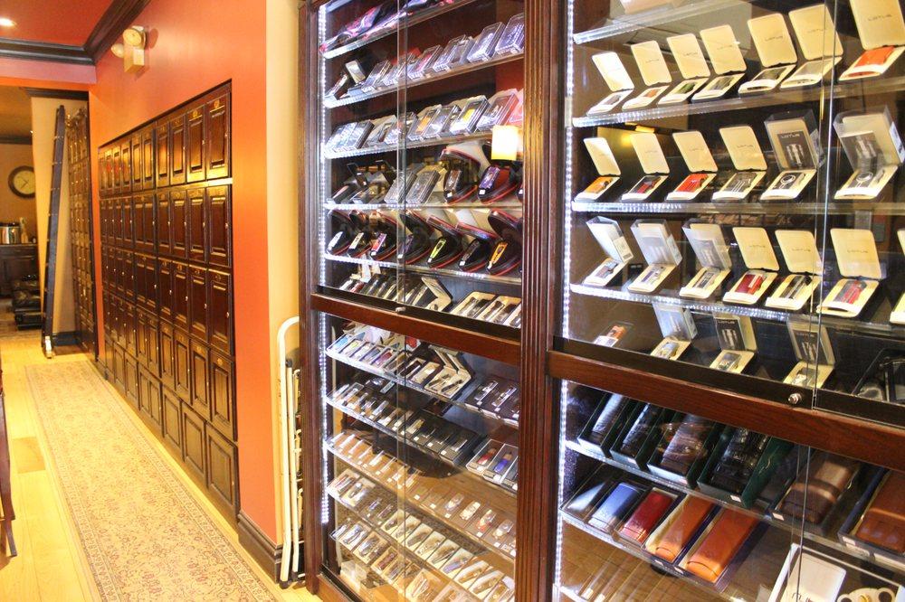 Matador Cigars: 38 Lincoln Ave, Roslyn Heights, NY