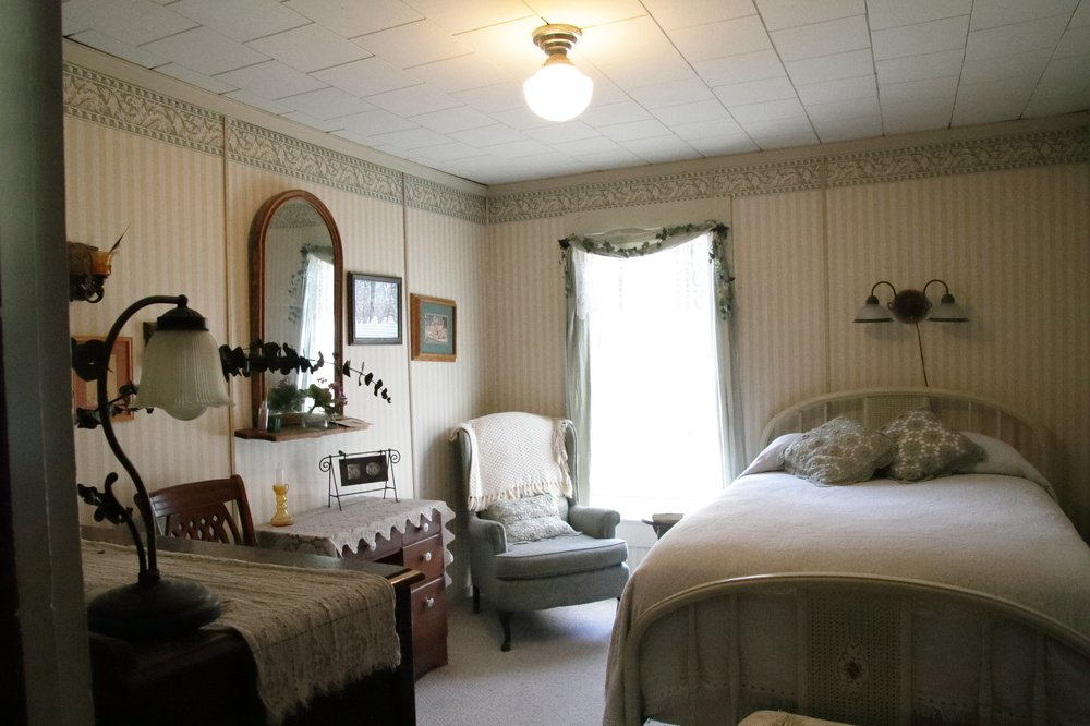 Hospitality Inn Bed & Breakfast: 200 S California St, Dorris, CA
