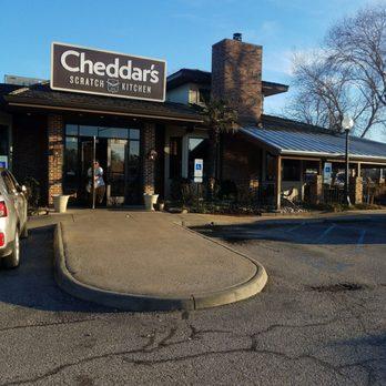 Cheddar S Scratch Kitchen Newport News Va