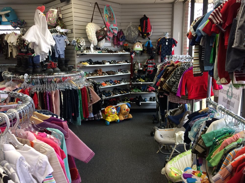Recycled Youth Resale: 5429 Chippewa, Saint Louis, MO