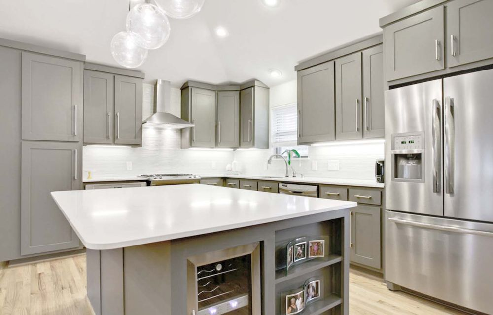 Light Gray Shaker Cabinets Are Super Hot Right Now Swing By To - Light gray shaker cabinets