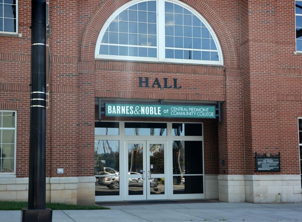 Barnes & Noble at C C P C Central Campus Bookstores 1112