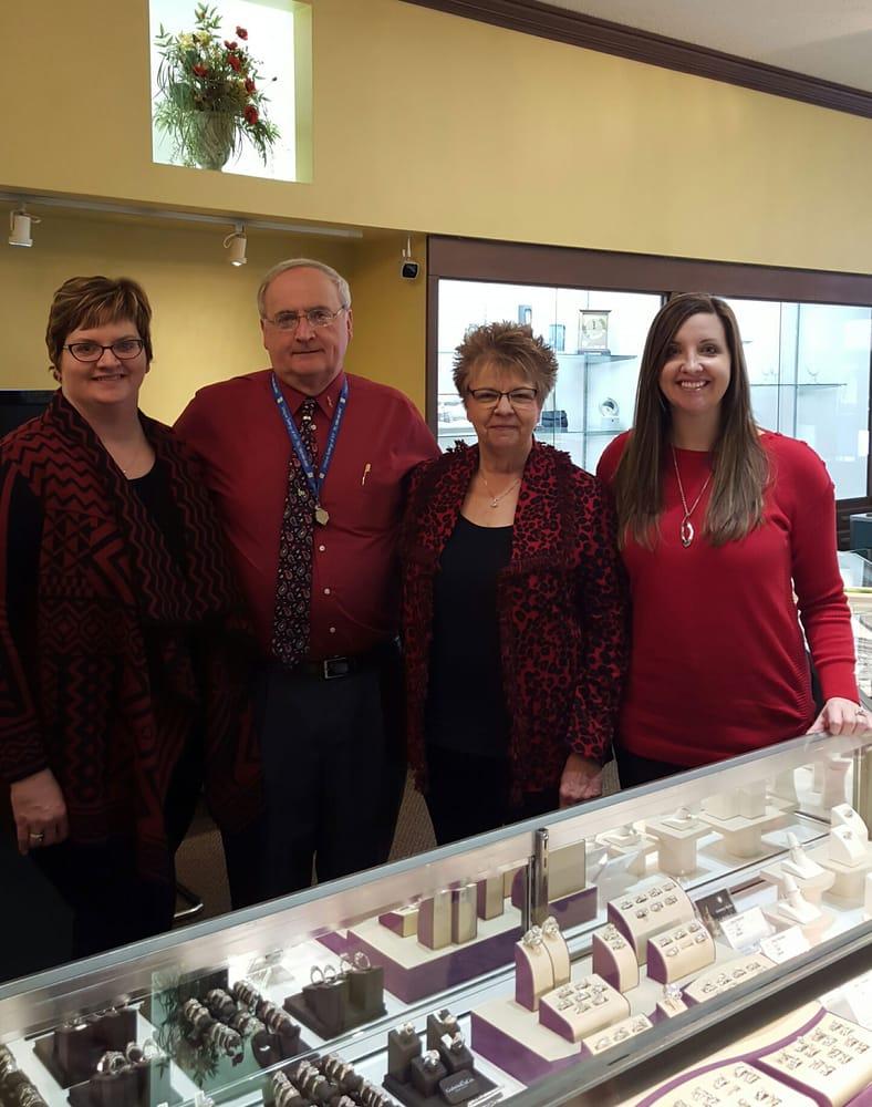 Don's Jewelry & Design: 116 S Iowa Ave, Washington, IA