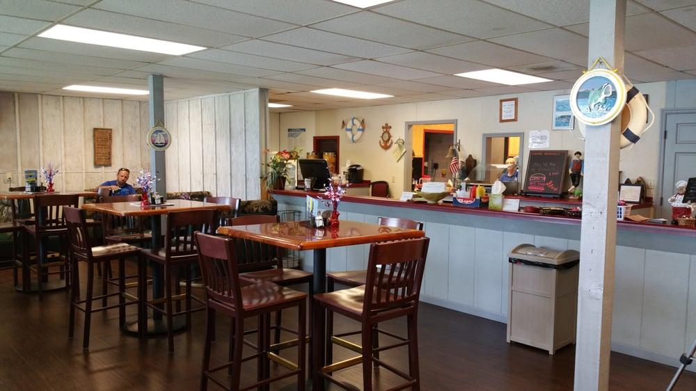 Carters Lake Marina & Resort: 575 Marina Rd, Chatsworth, GA
