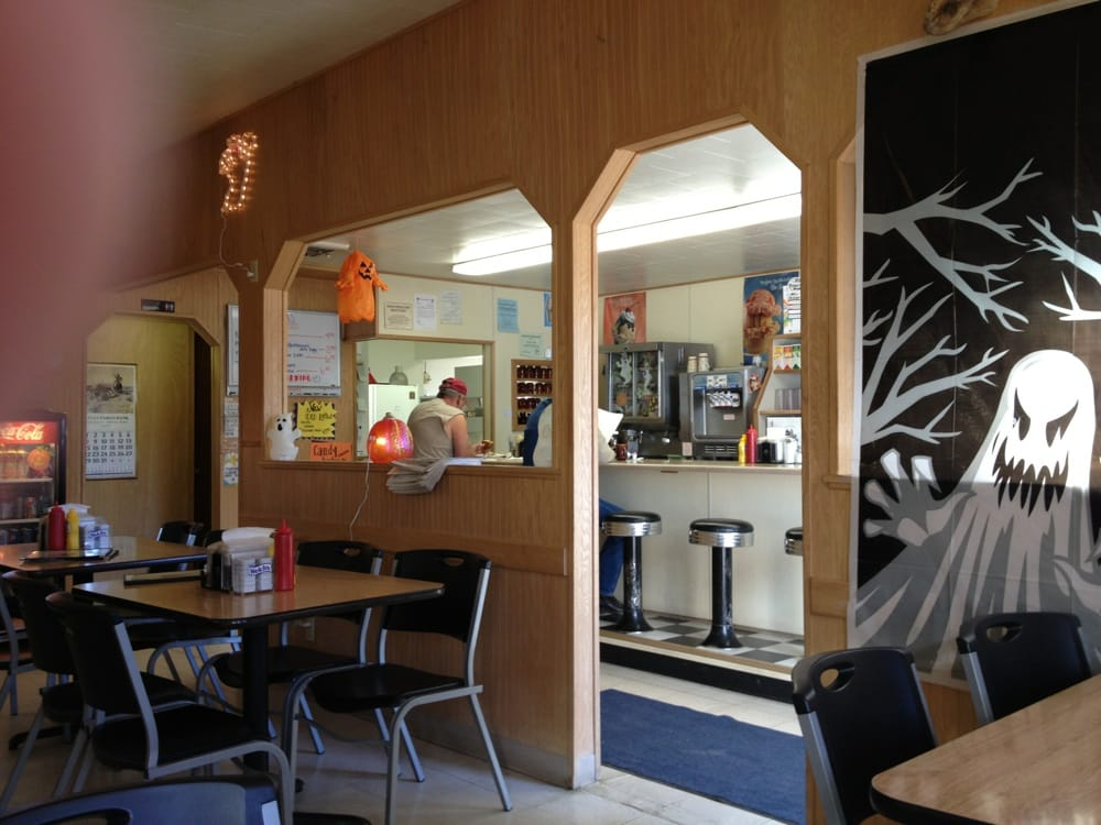 Panther Cafe: 519 Teton Ave, Valier, MT