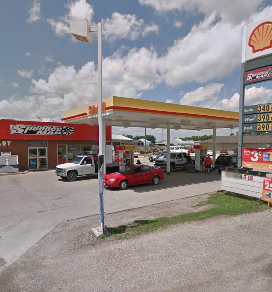 Shell Gas Station: 904 N Walnut, Avoca, IA