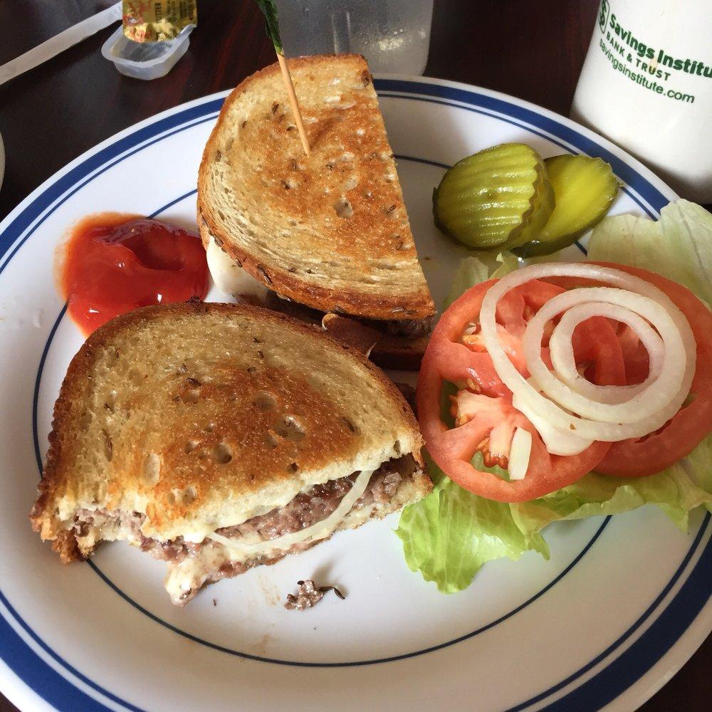 Pine Acres Family Restaurant: 250 Willimantic Rd, Chaplin, CT