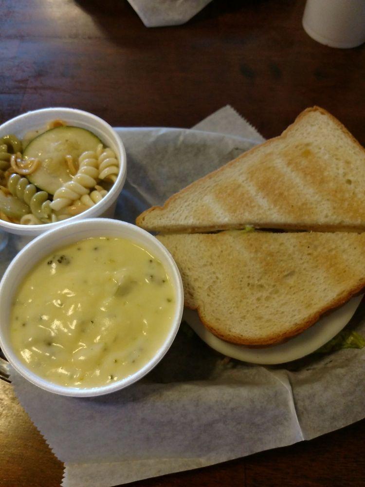 Downtown Cafe: 229 Howard St W, Live Oak, FL