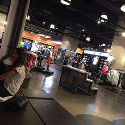 Sport Store Parvis Défense Vêtements 15 De Nike La Yg6b7fy