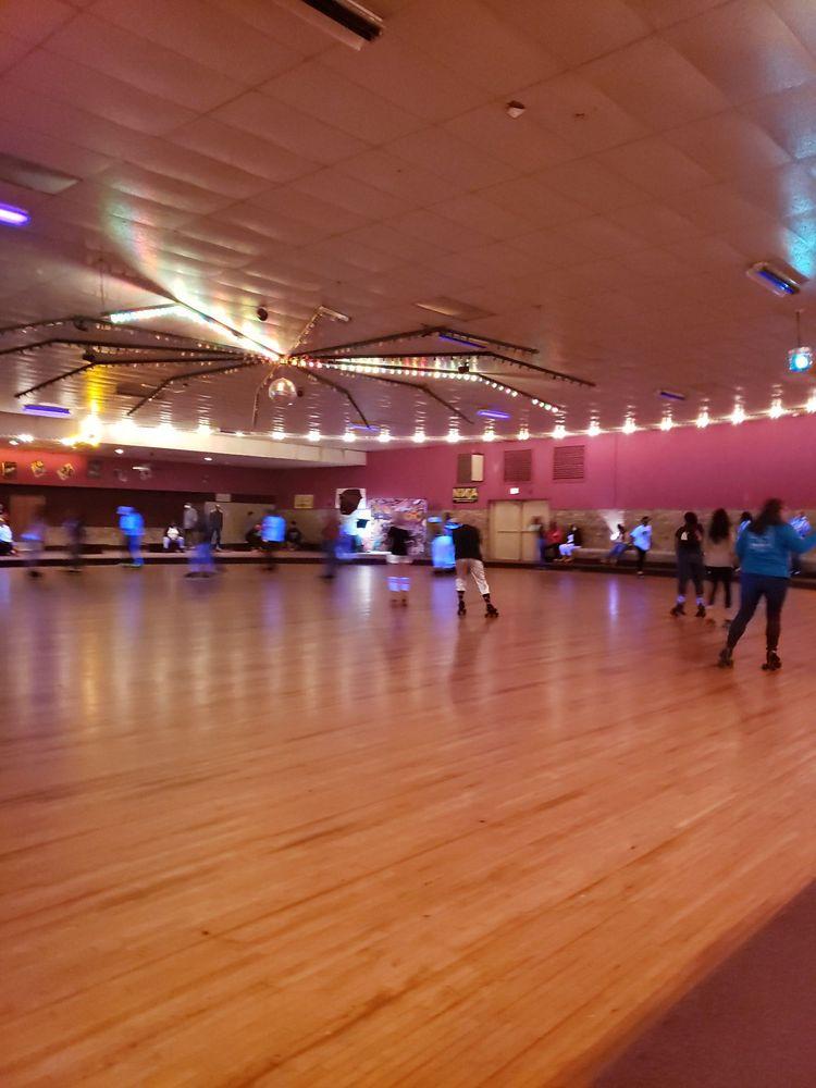 Sunshine Skate Center: 130 Elm St, Oxford, AL