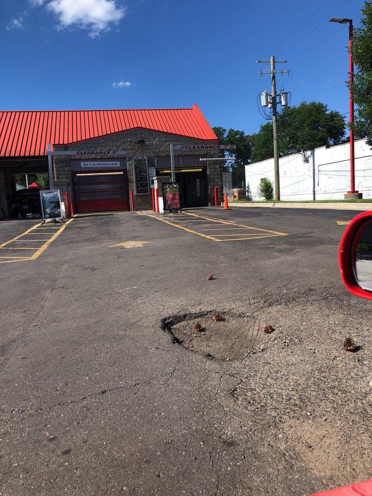 Grand Prix Auto Wash: 2134 E Walton Blvd, Auburn Hills, MI