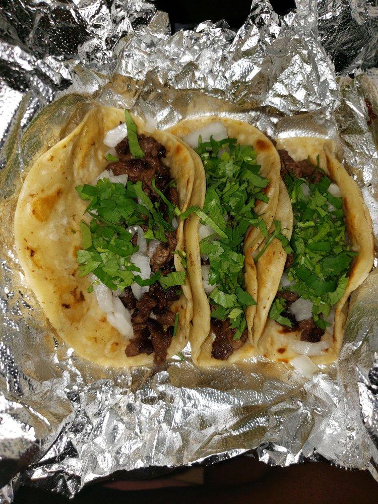 Taqueria Mexicana El Tarazco: 622 NE 8th St, Hallandale Beach, FL