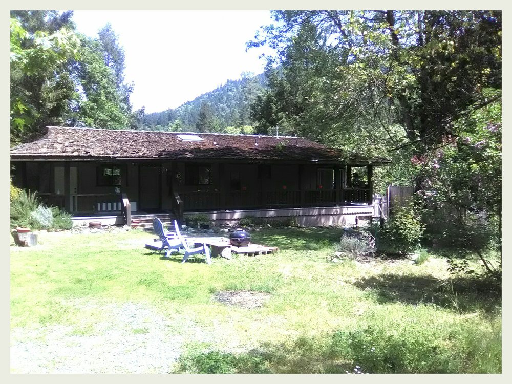 Dolphin Mountain Farm Retreat: 1050 Patterson Rd, Willow Creek, CA