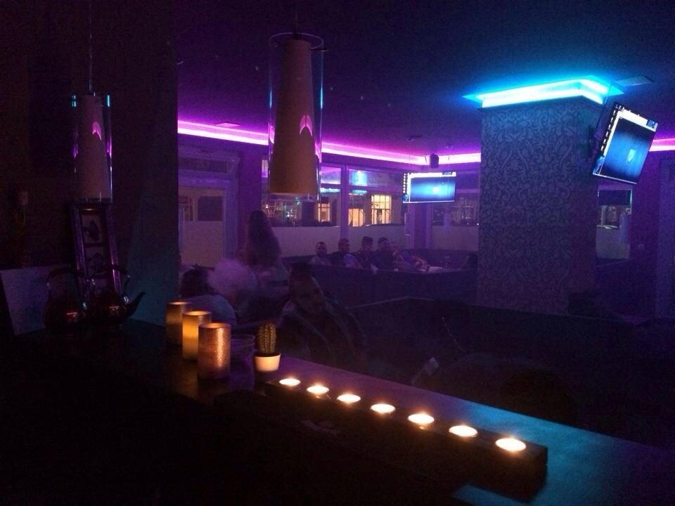 entspannen shisha rauchen mit freunden den abend ausklingen lassen yelp. Black Bedroom Furniture Sets. Home Design Ideas