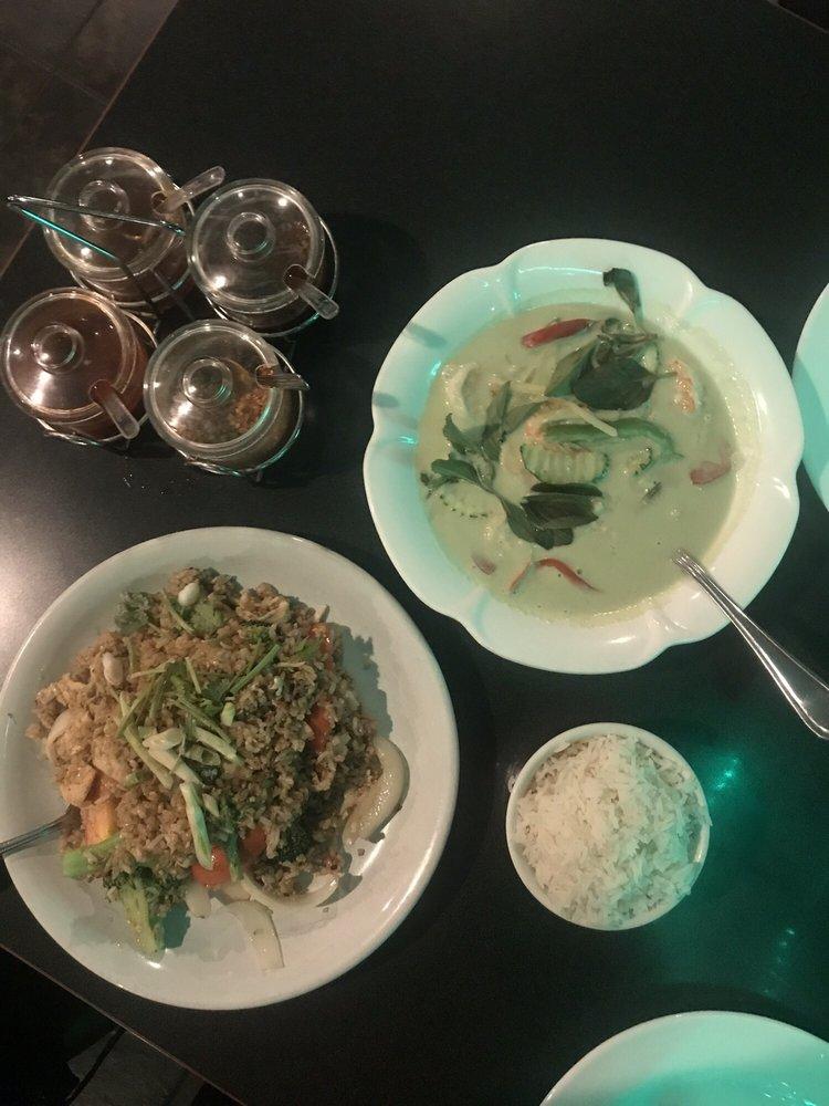 Food from Sri Uma Thai Cuisine
