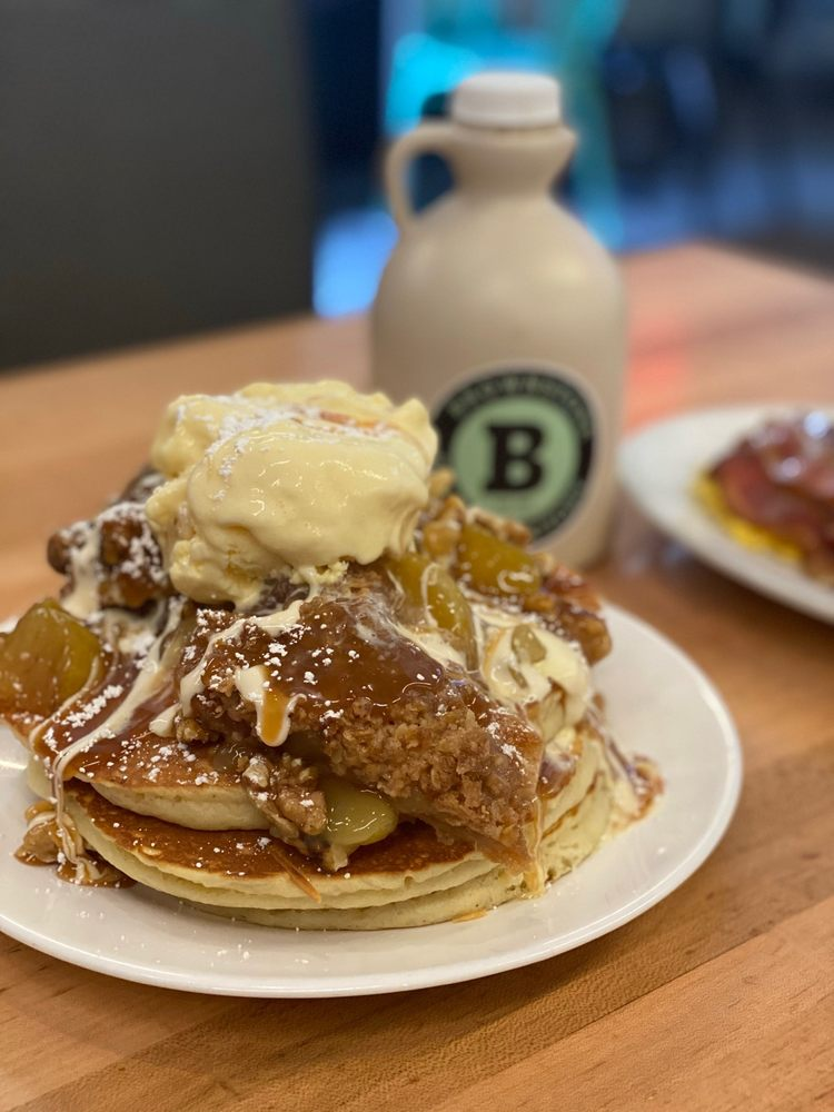 Brownstone Pancake Factory: 717 E Palisade Ave, Englewood Cliffs, NJ