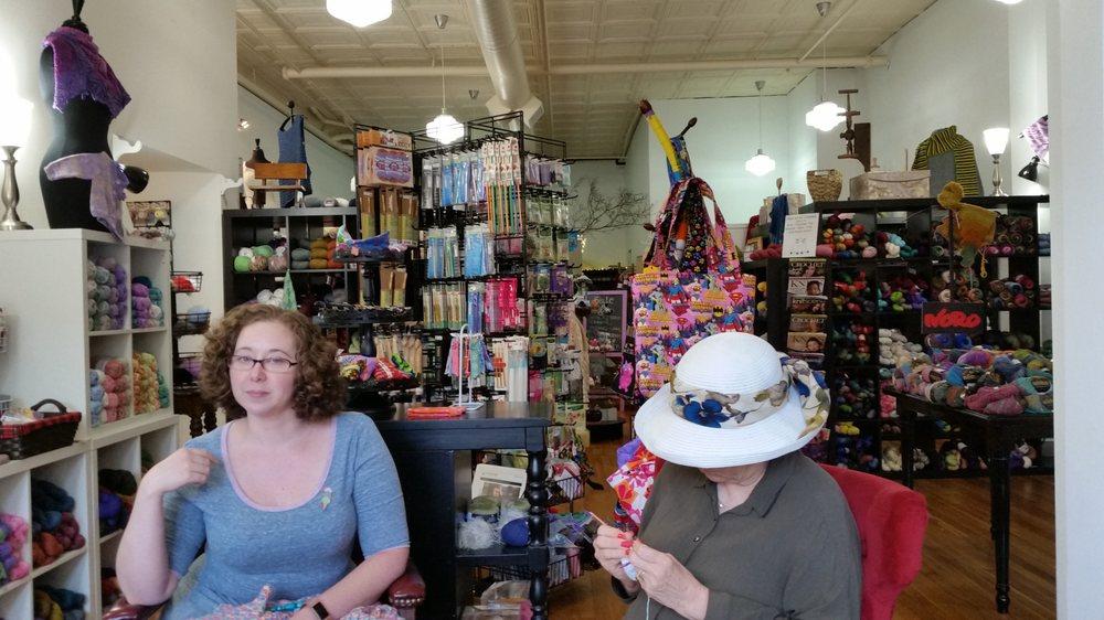 Yarnia of Old Town: 92 Main St, Warrenton, VA