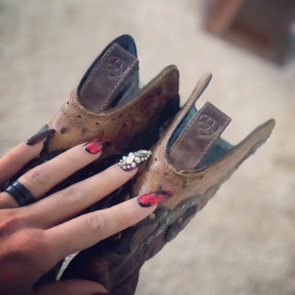 Ambiance Nails Spa: 17473 Jefferson Davis Hwy, Dumfries, VA