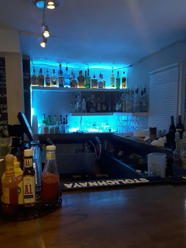 Berwyn Tavern: 625 Lancaster Ave, Berwyn, PA