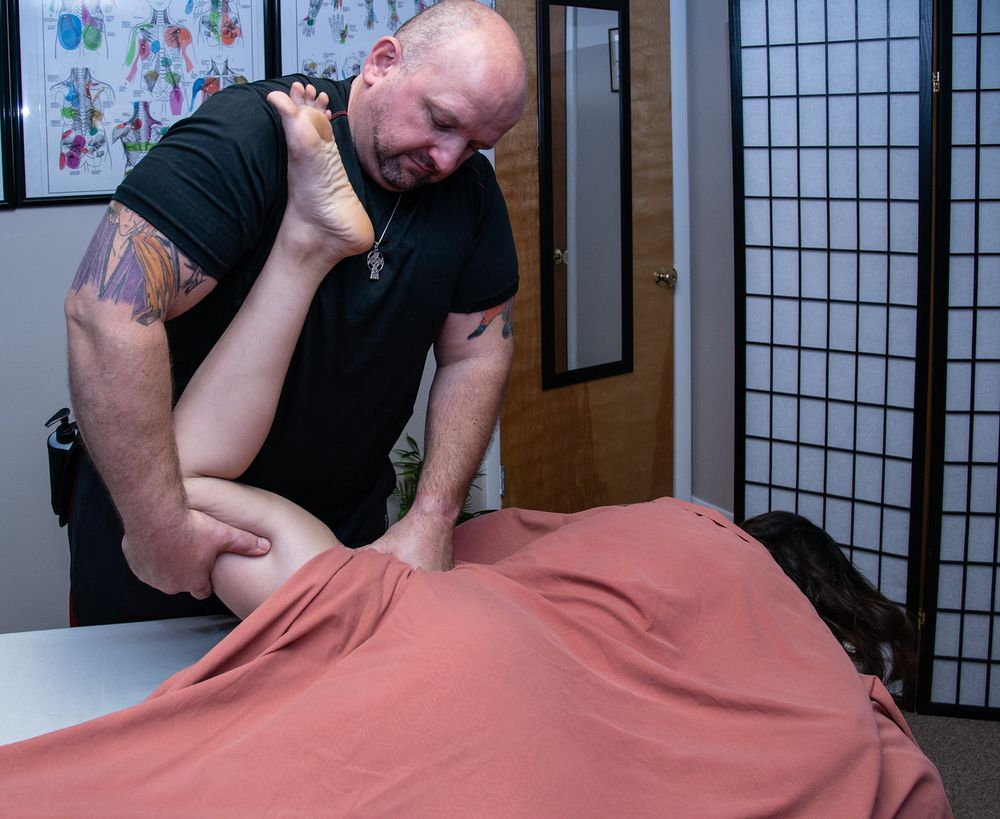 Reviving Hands Massage: 5100 W Genesee St, Camillus, NY