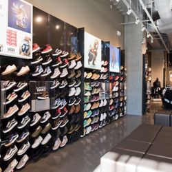 62704e8a4c1 Foot Locker - Accessories - 6801 Hollywood Blvd, Hollywood, Los ...