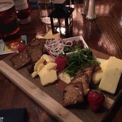 Photo Of Phelps Barn Pub Grafton Vt United States A Great Cheese