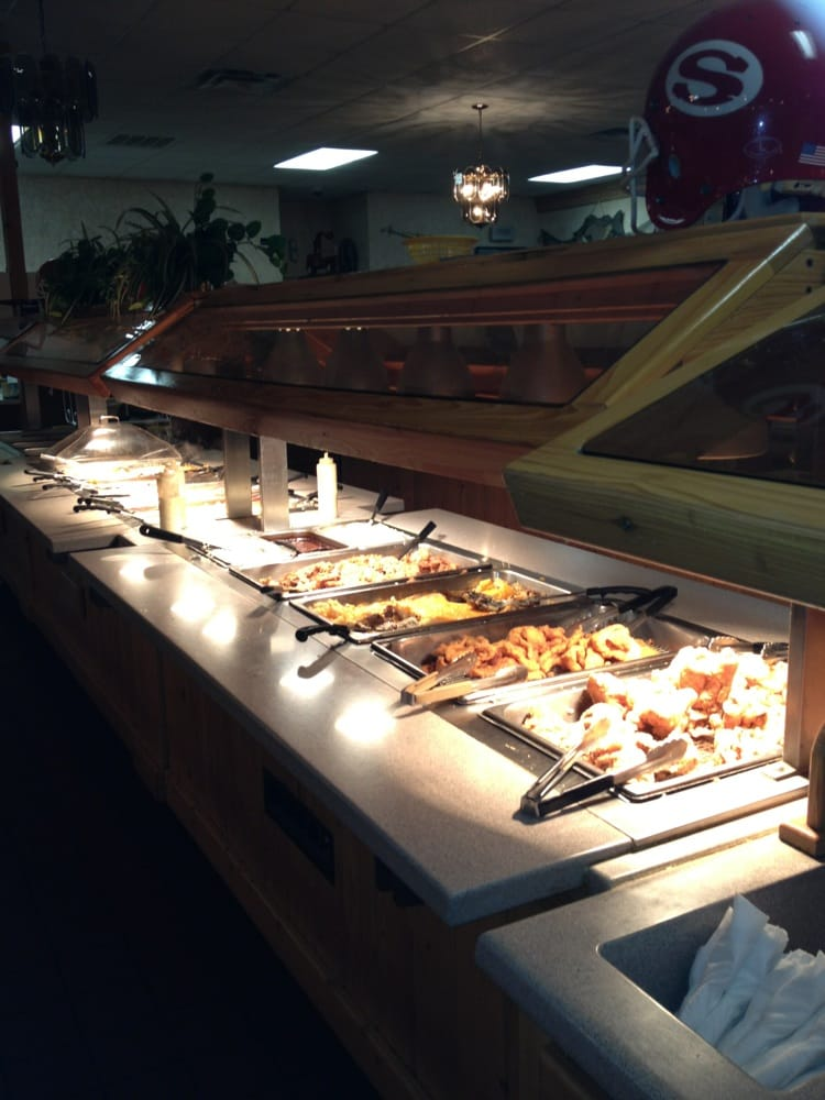 R & D's Seafood Steaks and More: 1176 Burtons Ferry Hwy, Sylvania, GA
