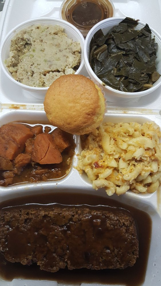 Ms. E-Vee's Soul Food: 20880 Gratiot Ave, Eastpointe, MI