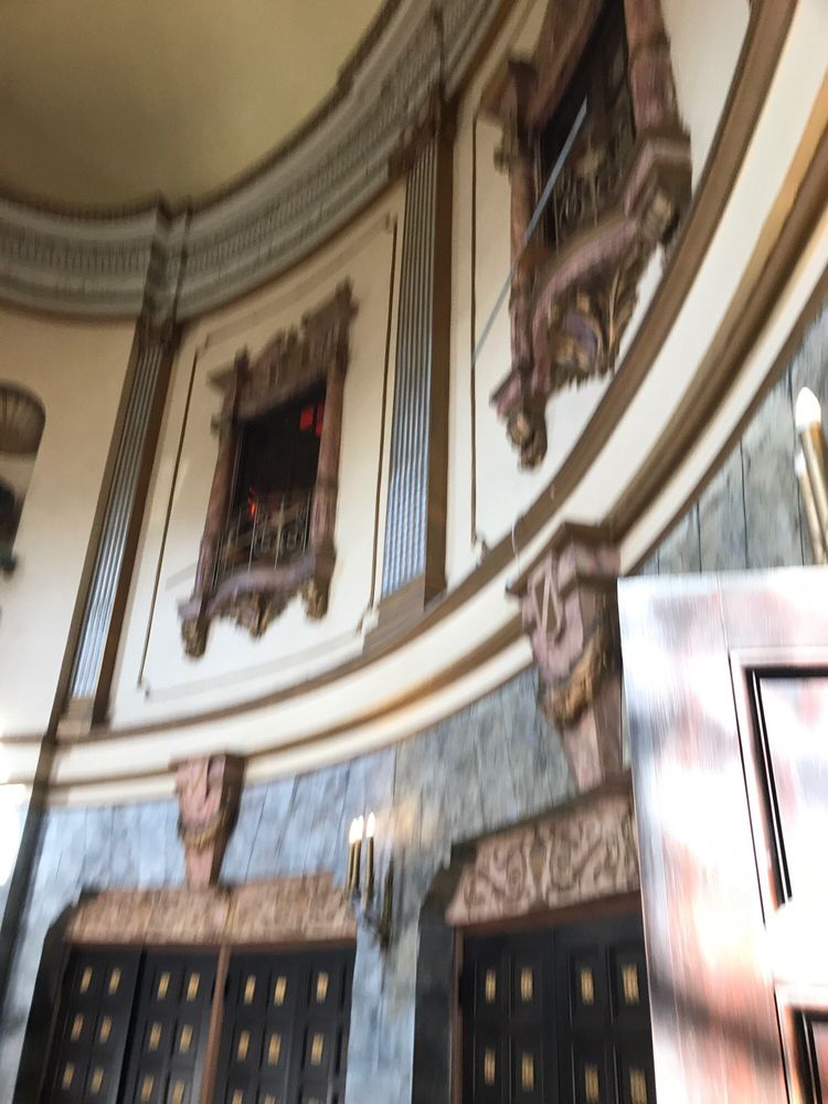 Grand Lake Theatre