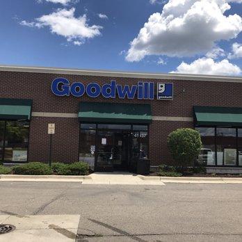 Goodwill Store- Canton - 16 Photos & 19 Reviews - Thrift ...