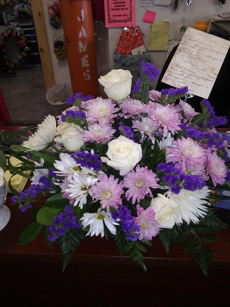 Angel Kisses Flowers & Gifts: 863 S Mississippi Ave, Atoka, OK