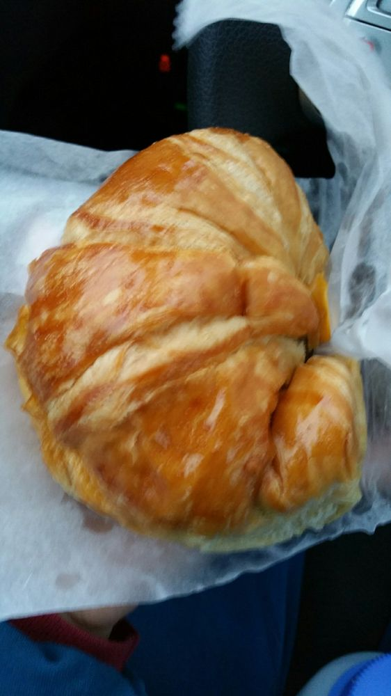 Donut Star: 800 East Wyandotte Ave, McAlester, OK