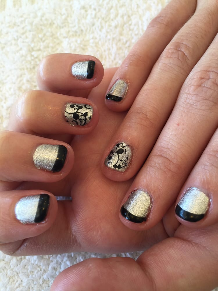Cosmic Nails And Spa