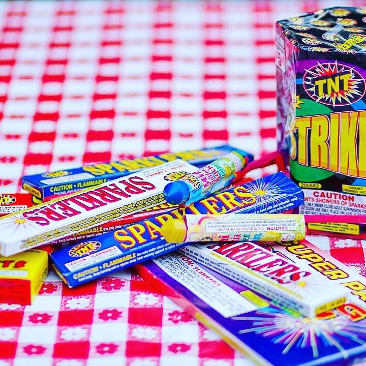 TNT Fireworks Jennings: 2019 Hamilton Avenue, Jennings, FL