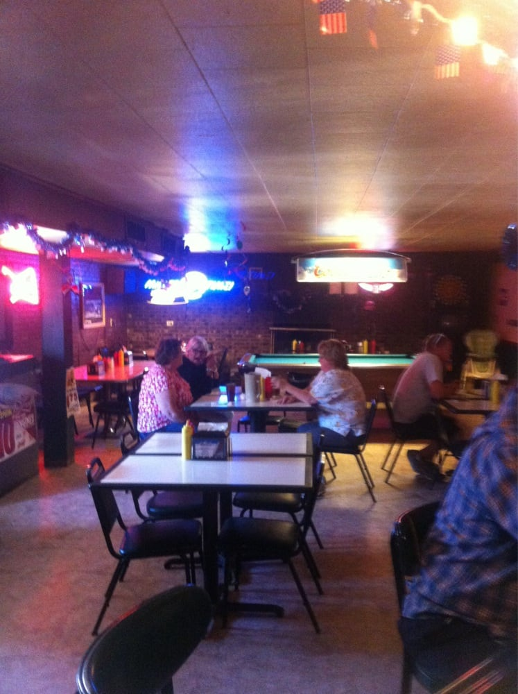 Lake West Side Bull Shoot Bar & Grill: 22817 Miller Lake Rd, Jerseyville, IL