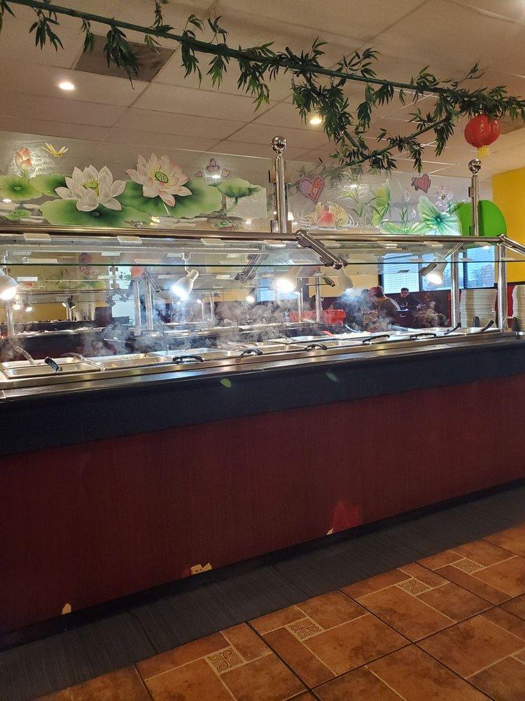 Ling's Café: 2024 N Topeka Blvd, Topeka, KS