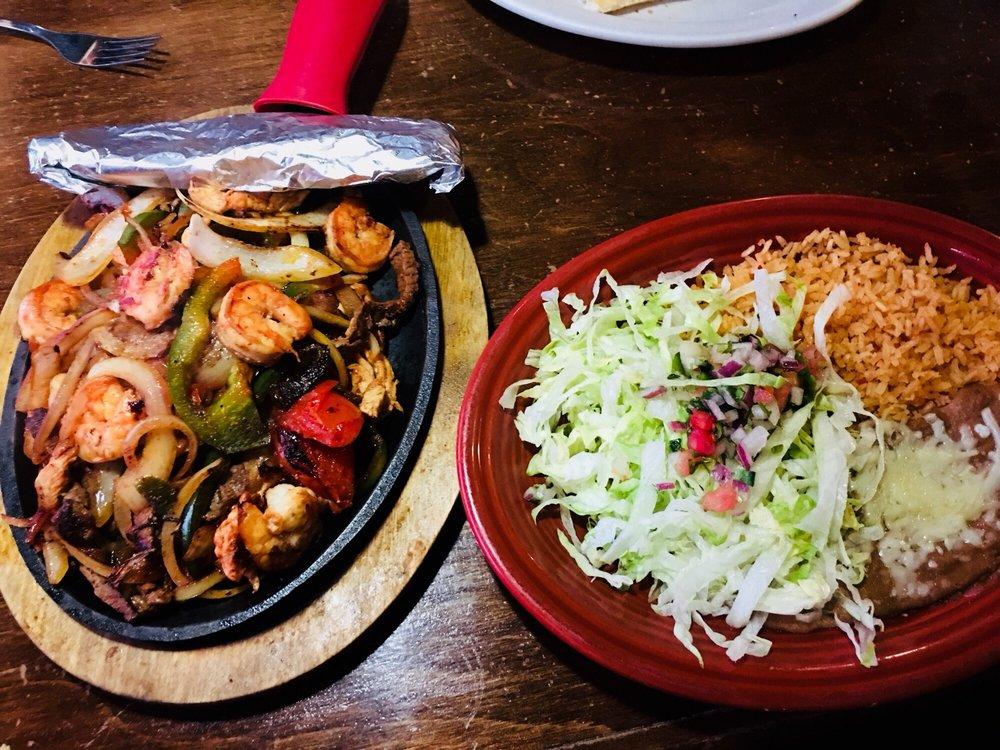 Rio Grande Mexican Grill & Cantina: 1356 Carrollton Pike, Hillsville, VA